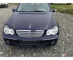 Durres, shes makine Mercedes-Benz C klas Viti 2005, 6.800 Euro